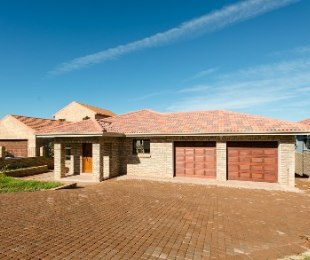 R 2,285,000 - 3 Bed House For Sale in Hartenbos