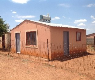 R 180,000 - 2 Bed Property For Sale in Vlakfontein