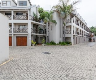 R 1,575,000 - 2 Bed Flat For Sale in Hartenbos