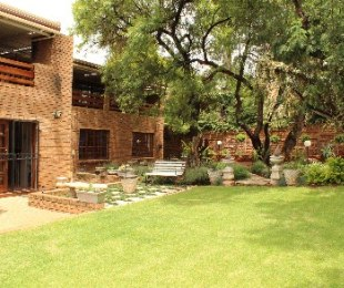 R 2,000,000 - 4 Bed House For Sale in Amandasig