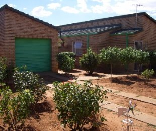 R 480,000 - 3 Bed Home For Sale in Kitty