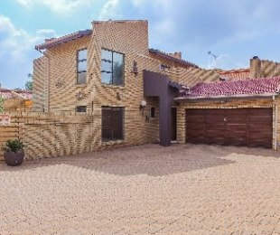 R 2,690,000 - 3 Bed Property For Sale in Meyersdal