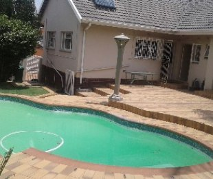 R 2,300,000 - 3 Bed House For Sale in Edendale