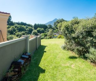 R 810,000 -  Plot For Sale in Bergsig
