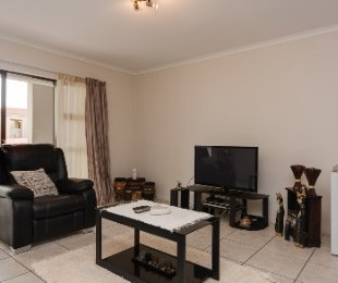 R 875,000 - 2 Bed Flat For Sale in Hartenbos