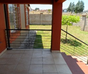 R 7,000 - 3 Bed Property To Rent in Honeydew