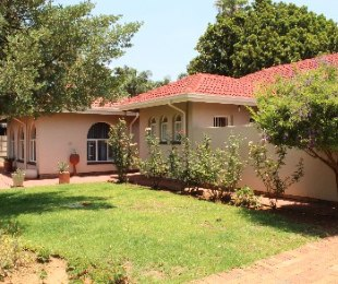 R 1,450,000 - 4 Bed Home For Sale in Florauna