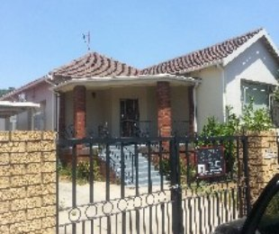 R 2,700 - 1 Bed Flat To Rent in Rosettenville