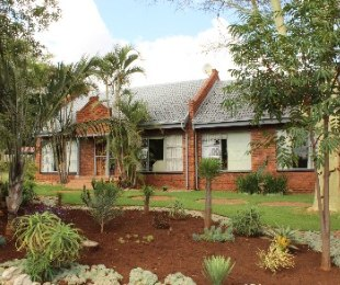 R 2,500,000 - 4 Bed Smallholding For Sale in Patryshoek