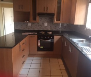 R 1,550,000 - 2 Bed Property For Sale in Edenglen