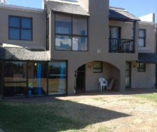 R 1,095,000 - 1 Bed Property For Sale in Loevenstein