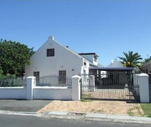 R 1,599,000 - 6 Bed House For Sale in Peerless Park North