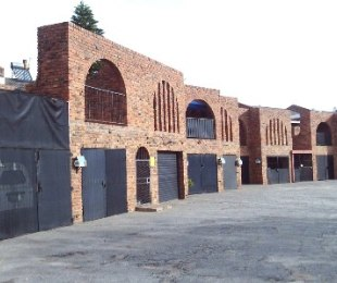 R 350,000 - 2 Bed Flat For Sale in Sandania