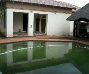 R 1,200,000 - 5 Bed House For Sale in Silverton