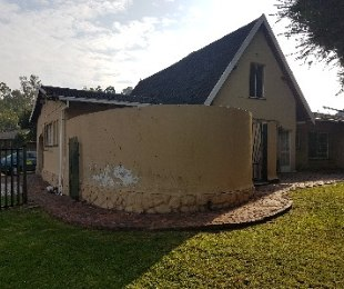 R 1,200,000 - 4 Bed House For Sale in Croydon