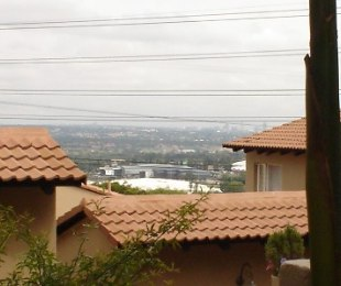 R 1,650,000 - 3 Bed Property For Sale in Sunnyrock