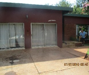R 950,000 - 4 Bed Property For Sale in The Orchards