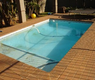 R 1,850,000 - 4 Bed House For Sale in Dawnview