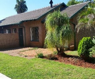 R 1,050,000 - 3 Bed Property For Sale in The Orchards