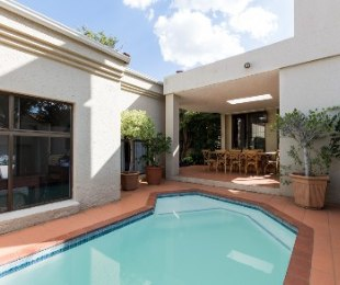 R 3,200,000 - 4 Bed House For Sale in Lonehill