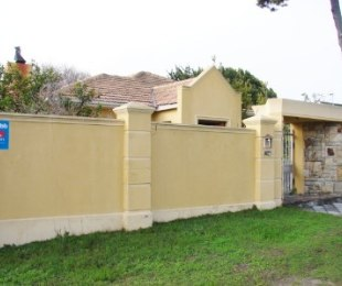 R 2,550,000 - 4 Bed House For Sale in Lansdowne