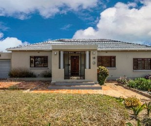 R 2,995,000 - 4 Bed House For Sale in Plumstead