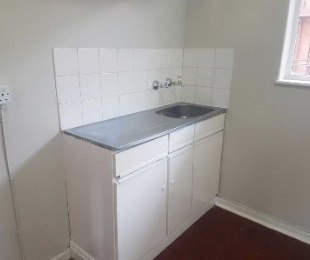 R 2,500 - 1 Bed Flat To Rent in Yeoville