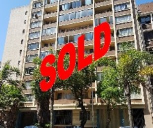 R 420,000 - 1 Bed Apartment For Sale in Durban Central