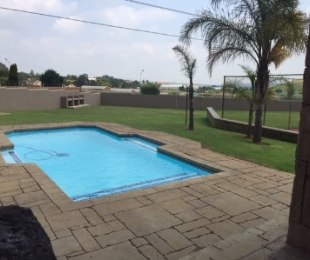 R 1,350,000 - 3 Bed Property For Sale in Edenglen