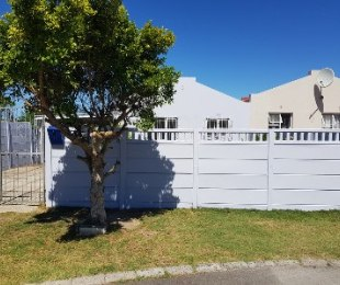 R 1,295,000 - 3 Bed House For Sale in Elfindale