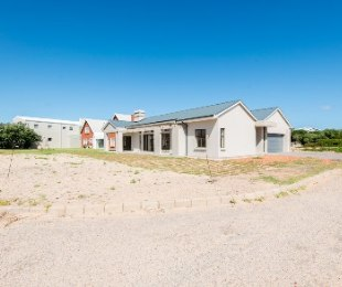 R 2,980,000 - 3 Bed Home For Sale in Still Bay