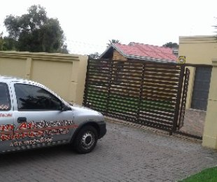 R 1,199,000 - 4 Bed Home For Sale in Klopperpark