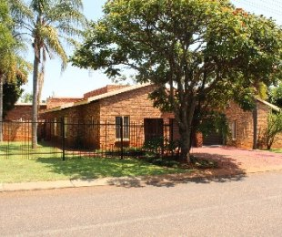 R 1,495,000 - 3 Bed Property For Sale in Florauna