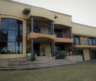R 7,500,000 - 6 Bed House For Sale in Glenashley