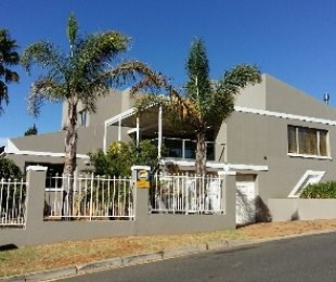 R 3,595,000 - 4 Bed Home For Sale in Protea Valley