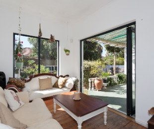 R 3,000,000 - 4 Bed House For Sale in Muizenberg