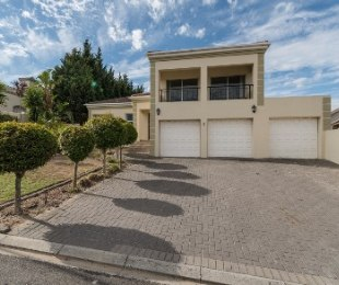 R 3,125,000 - 3 Bed Home For Sale in Kleinbron