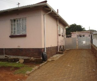 R 795,000 - 2 Bed Home For Sale in Gerdview