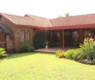 R 1,380,000 - 4 Bed Property For Sale in Dorandia
