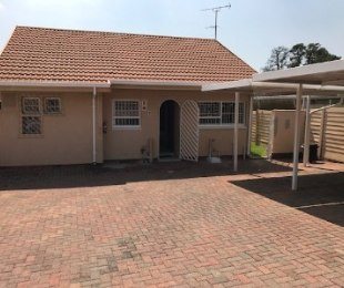 R 730,000 - 2 Bed Apartment For Sale in The Hill