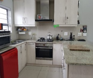 R 2,249,000 - 3 Bed House For Sale in Burgundy Estate