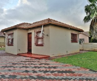 R 690,000 - 2 Bed Home For Sale in The Orchards