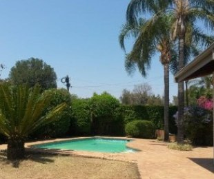 R 2,995,000 - 4 Bed House For Sale in Waterkloof