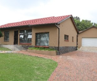 R 1,199,000 - 3 Bed House For Sale in Esther Park
