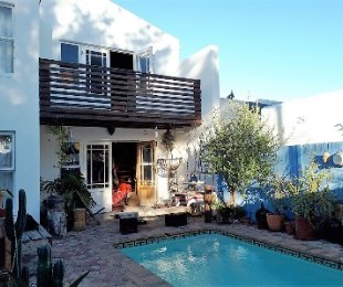 R 1,850,000 - 4 Bed Home For Sale in Marina Da Gama