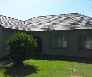 R 895,000 - 3 Bed Apartment For Sale in Regents Park