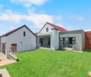 R 2,939,000 - 3 Bed Home For Sale in Centurion