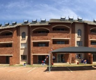 R 830,000 - 2 Bed Flat For Sale in Centurion