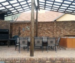 R 18,800 - 3 Bed Home To Rent in Highway Gardens