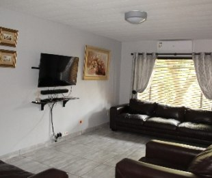 R 850,000 - 3 Bed Property For Sale in Florauna